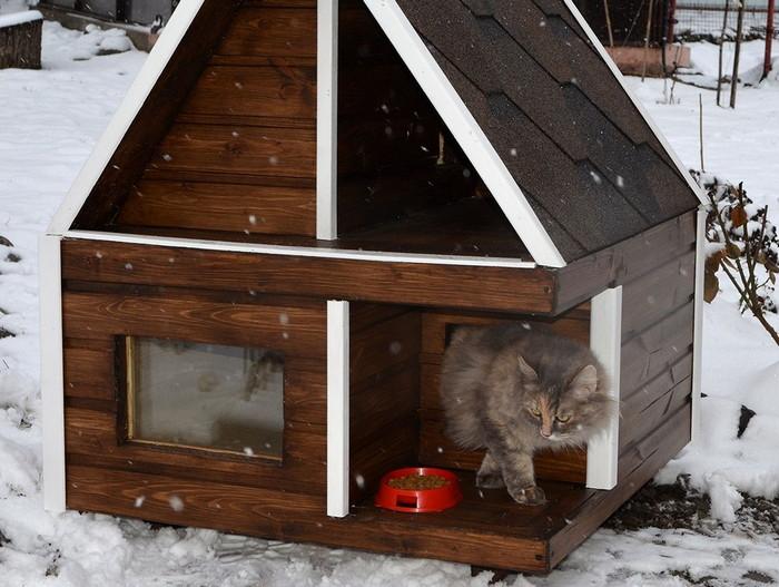 теплый домик для уличных кошек
