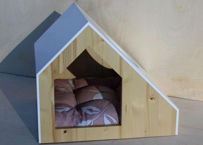 теплая будка для дворовой кошки